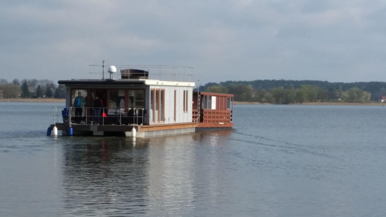 neuigkeiten ber unsere hausboote hausboot urlaub. Black Bedroom Furniture Sets. Home Design Ideas